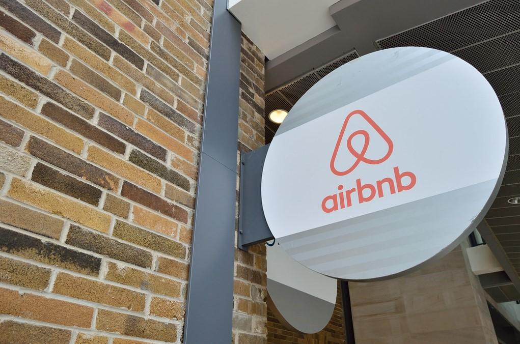 impuestos airbnb